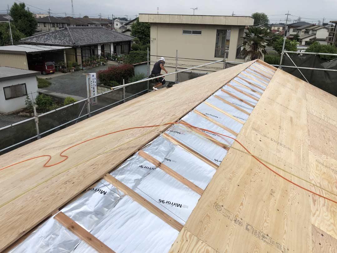 積層屋根材